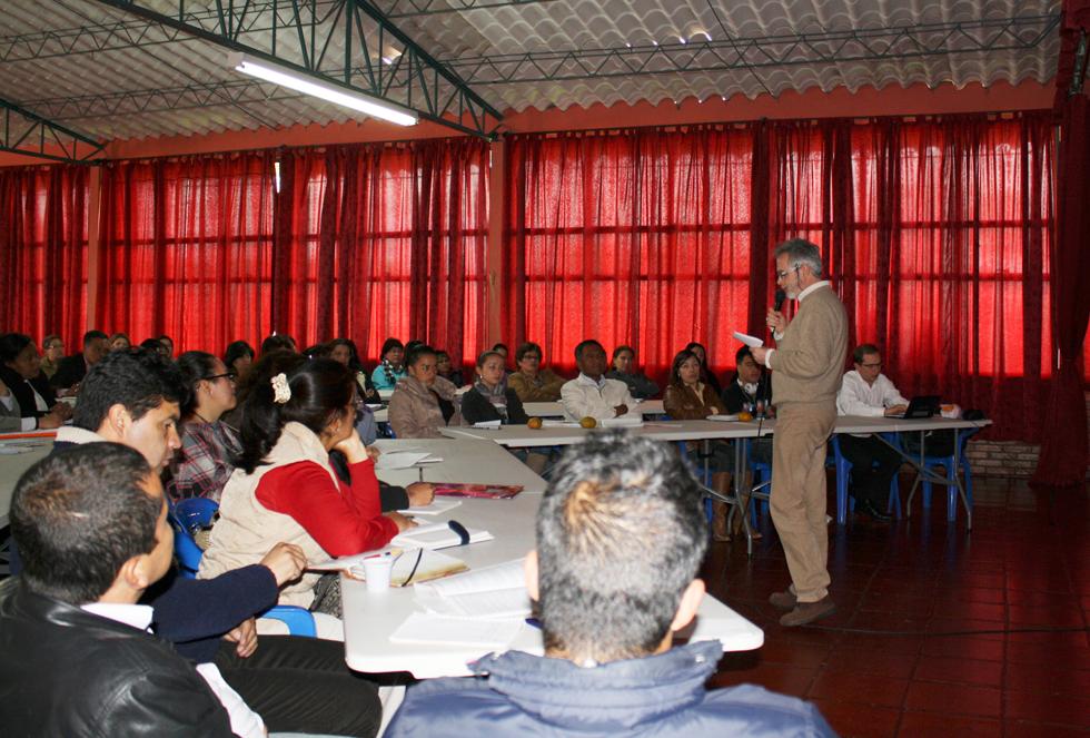 Primer colegio PCI en Colombia